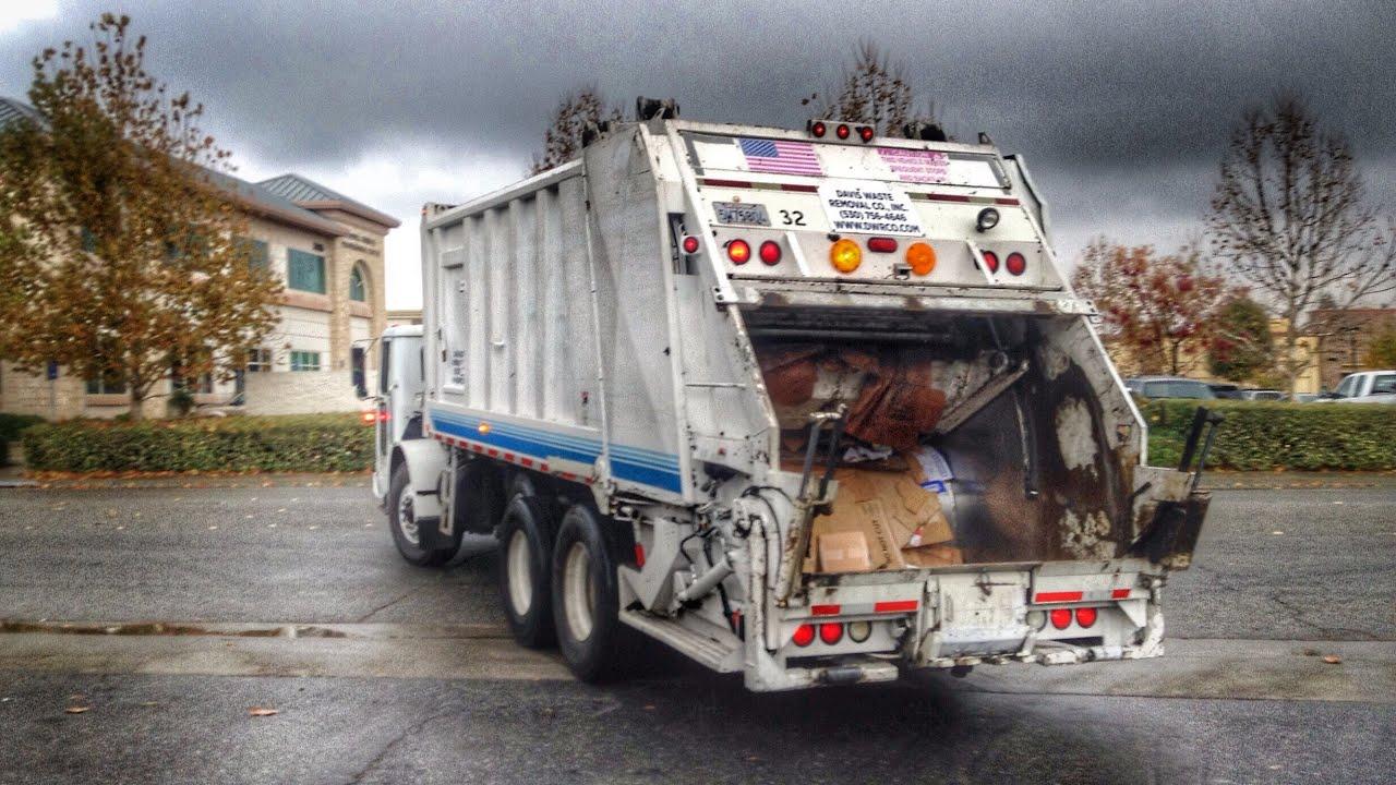 Volvo WXLL Heil 5000 Rear Loader Garbage Truck - YouTube