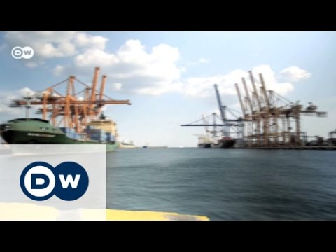 Sell-Out - Athens and the Planned Privatization of the Port of Piraeus | Made in Germany