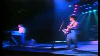 Hall & Oates - Wait For Me (Live) - [STEREO]