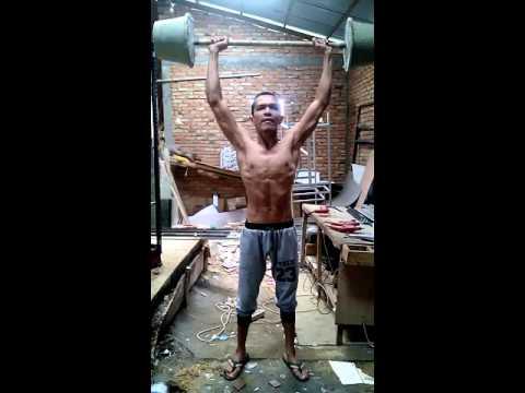 Orang ini kurus tapi berotot (GYM indonesia)