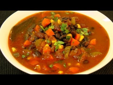 The Best Vegetarian Chili Recipe - Quick And Easy