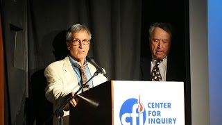 """IIG Awards 2015 (4 of 5) actor Robert Forster presents the Feature Film Award to """"Houdini."""""""