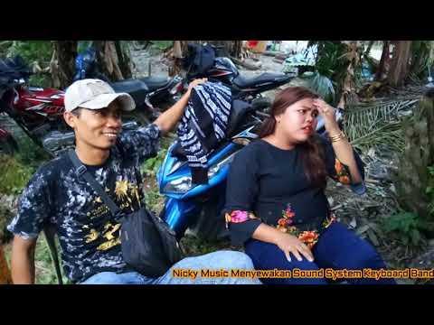 Sarah Berpisah Di UJung JaLan Nicky Music DM