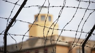 Украинцы покупают одежду, изготовленную в тюрьмах