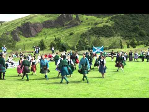 scottish-folk-dance:-domino-five-set