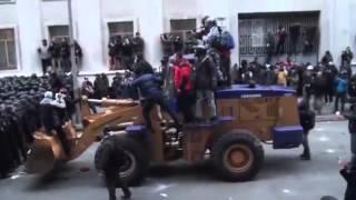 Попытка штурма Администрации Президента Украины 01 12 2013