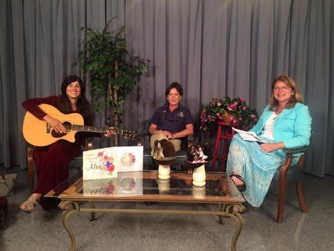 Lisa Saunders Show: Debra Lynn Alt, singer/songwriter and Lee Paridis, Horses Healing Humans