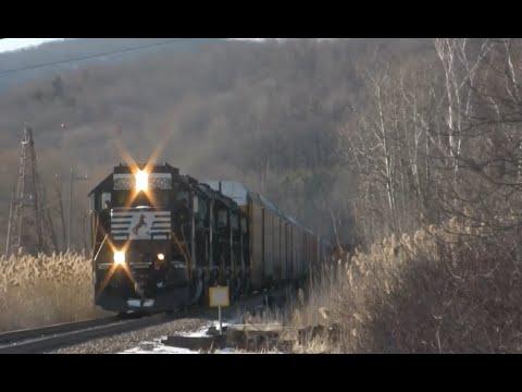 Norfolk Southern Autorack Detour on the Vermont Rail System