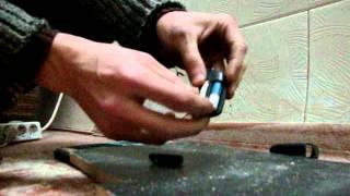 Ремонт брелка от Tomahawk-9010 своими руками(Ремонт брелка от Tomahawk-9010 в домашних условиях. Видео не считается поучительным., 2014-11-12T06:49:37.000Z)