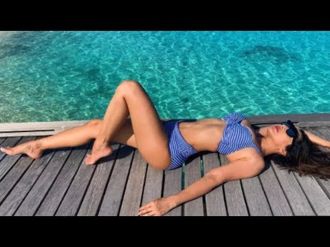Sophie Chaudhary Bikini Pictures from Maldives Vacation Mp3