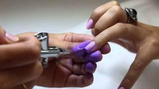 Дизайн ногтей омбре с использованием аэрографа