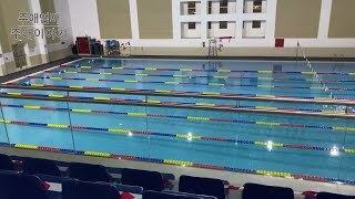 실내수영장에서 주애아빠 혼자 수영하기 - 카타르 한필커…