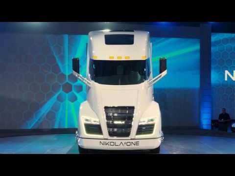 The New Nikola One Unveiled Hydrogen Electric Semi Truck With 320 kWh Battery, Review