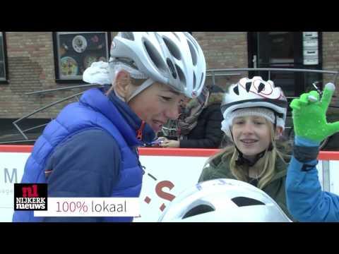 NIJKERK - Schaatsclinic Marianne Timmer