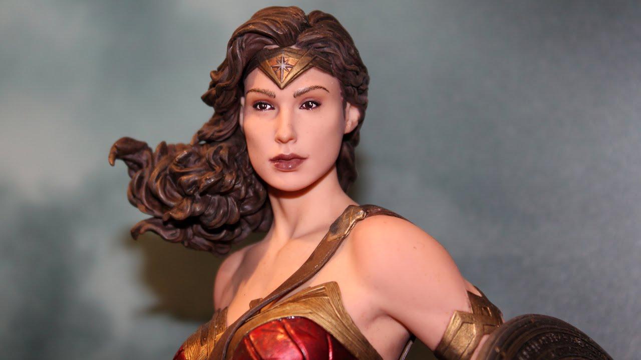 Wonder Woman Statue DC Collectibles Batman V Superman