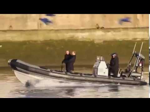 SPECTRE filming on the Thames with Daniel Craig and Rory Kin