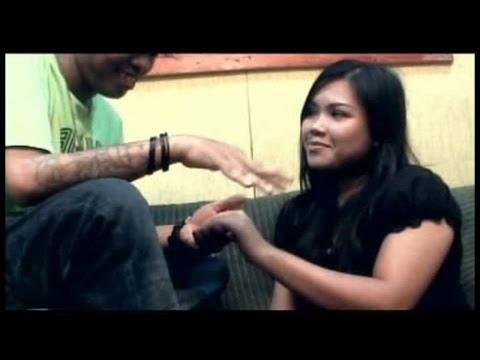 Yochen Amos - Sandiri (Official Music Video)