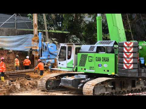 SENNEBOGEN - Special Purpose Civil Engineering: 683 Telescopic Crawler Crane operating in Singapore