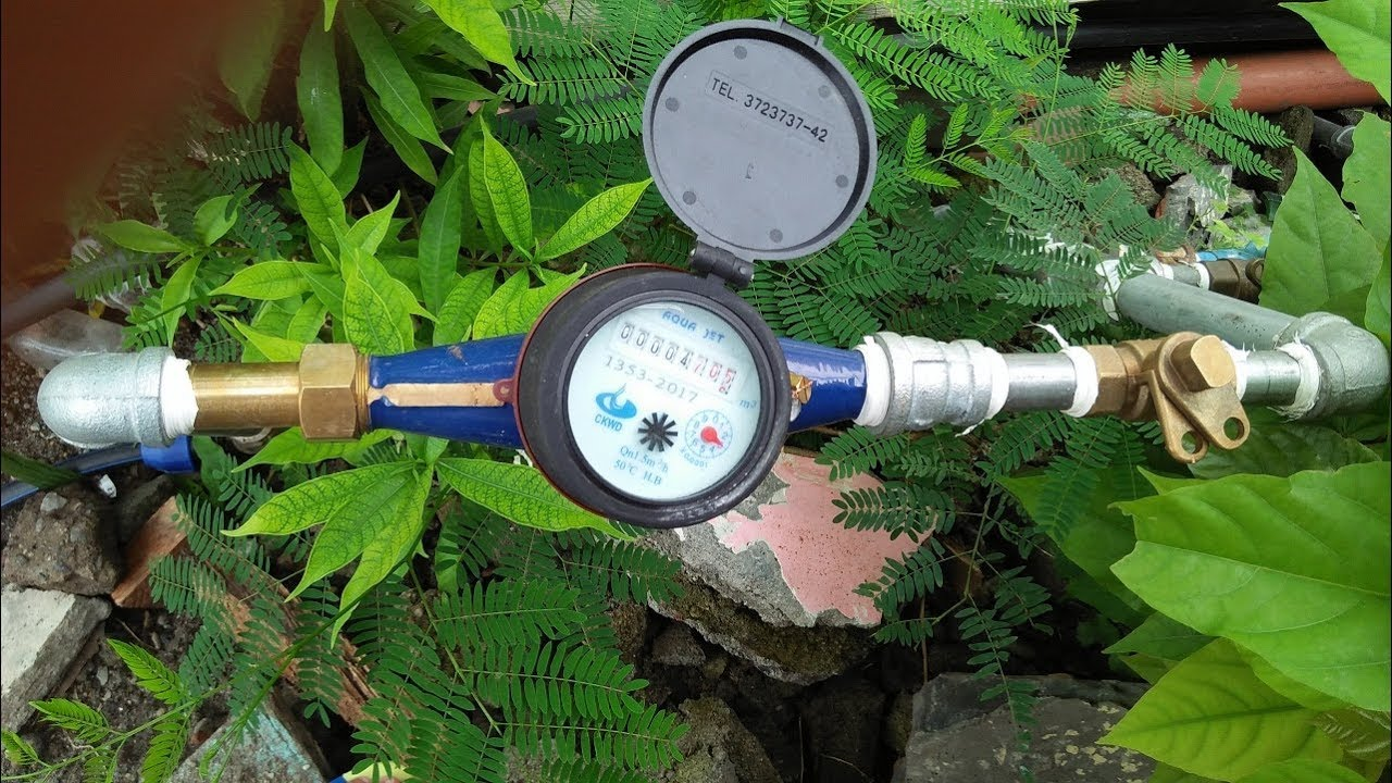 hight resolution of how installing water meter from water main supply