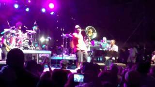RootsPicnic: John Legend - Doin it Again live (feat. The Roots)