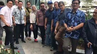 Rocky Gerung Jenguk Ani Yudhoyono di Singapura, Tagih Janji soal Politik dan Jodoh