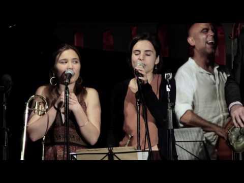 Ain't she sweet RITA PAYÉS ANDREA MOTIS & JOAN CHAMORRO GROUP  del cd LUA AMARELA