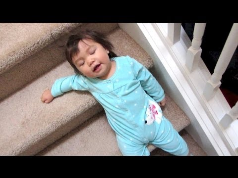 THE FUN WAY DOWN THE STAIRS! - January 31, 2014 - itsjudyslife Vlog