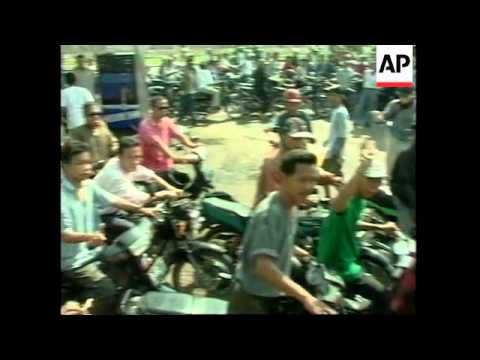 INDONESIA: JAKARTA: ANTI GOVERNMENT RIOTING CONTINUES