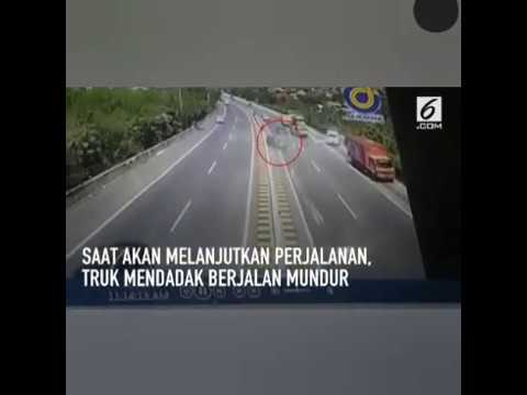 Detik-Detik Kecelakaan Maut N.H. Dini Mp3