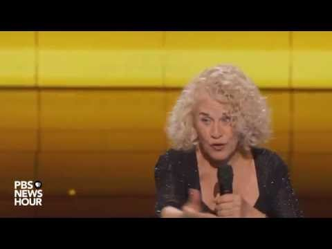Watch Carole King perform 'You've Got A Friend' at the 2016 Democratic National Convention