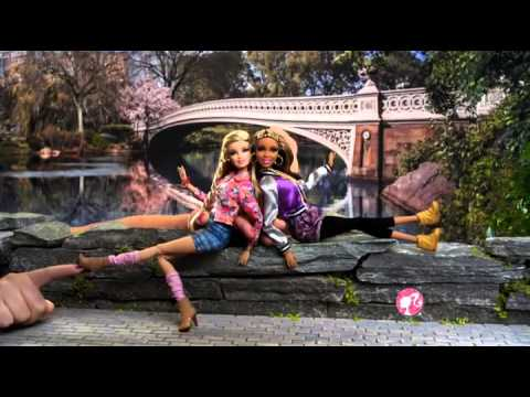 Bup be Barbie thoi trang dao pho 4