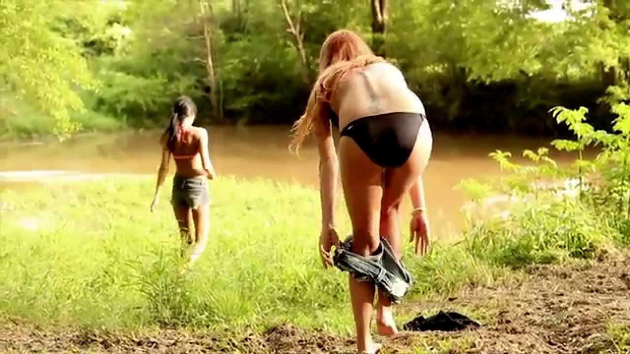 Big booty white girl creams while riding a big black dick 5