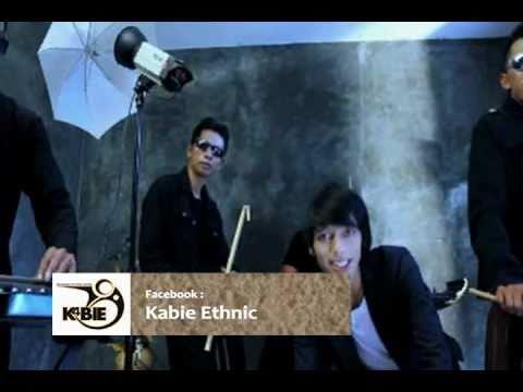 Kabie Band, Cemburu (Dewiku), Cipt: Iwa Kabie