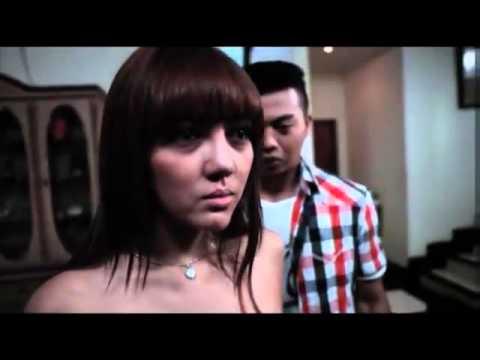 kompilasi adegan hot bella shofie di film rumah pondok indah HD