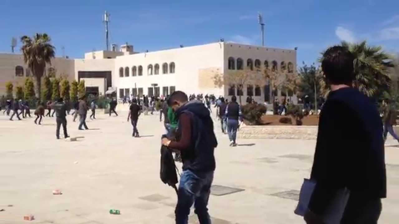 شجار كبير وإطلاق رصاص في حرم جامعة الزيتونة الأردنية  2/4/2015