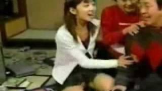 お宝映像 小倉優子のパンティー丸見え!色は白! thumbnail