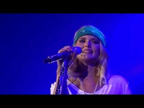 Miranda Lambert - smoking and drinking   (Live in Dublin)