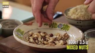 Ореховый печеный батон с острым соусом на День Благодарения от Джейми Оливера