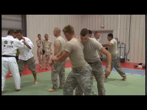 US & JSDF Builds Partnership Through Martial Arts Training
