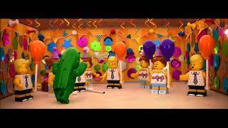 Smyths Toys - LEGO 71021 Minifigures Series 18