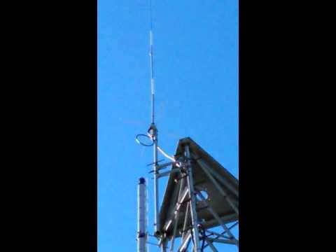 Station antenna base hustler