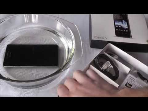 Sony Xperia V Unboxing + Water Resistance Test | ElectronicHamsta