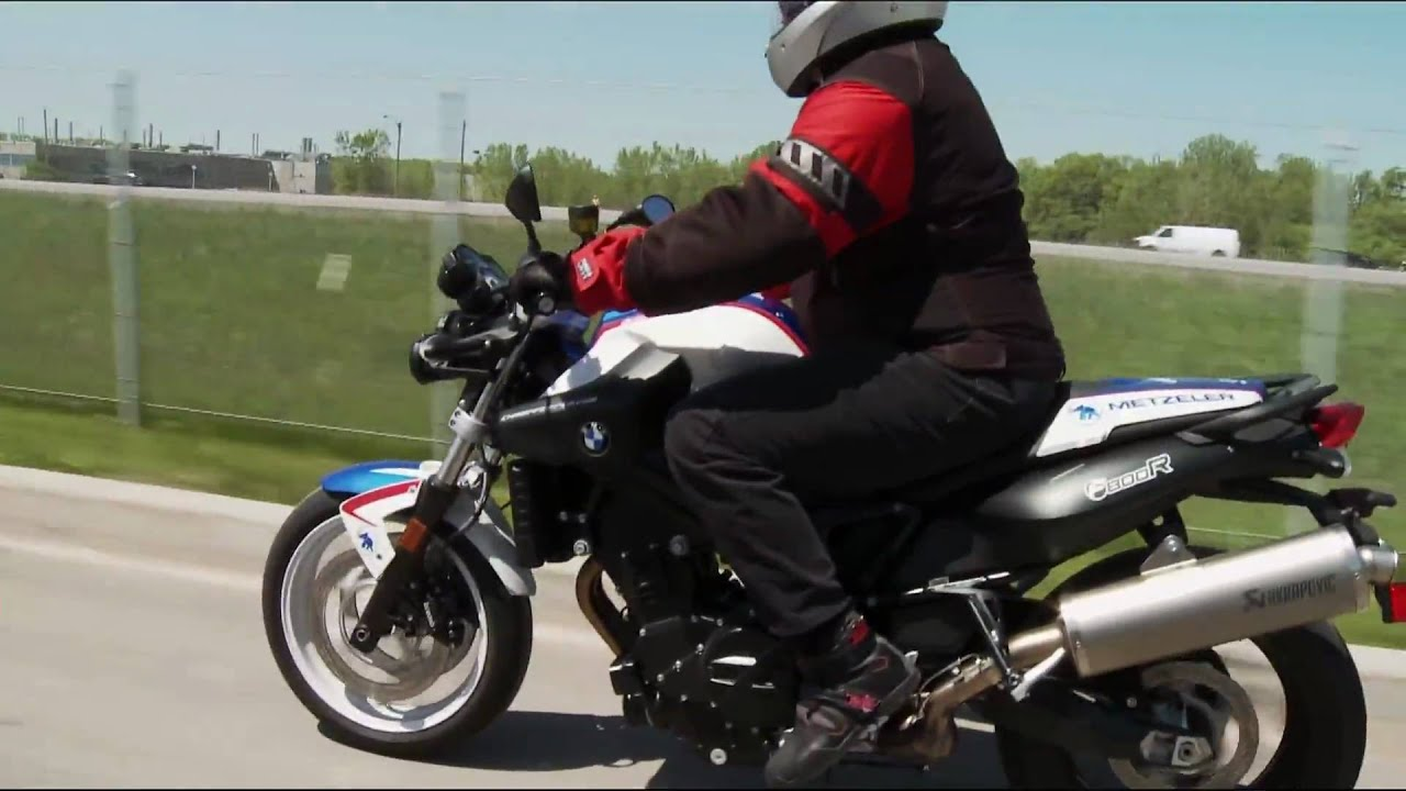 Motomag Tv 2010 10 Essai05 Bmw F800r Chris Pfeiffer Edition