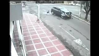 CCTV Saat Truk Kecelakaan dan Menabrak Penyebrang Jalan
