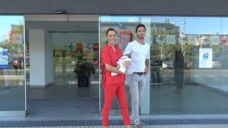 Ana Bono y Gabriel Funes vuelven a casa con su hija Ana