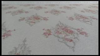 Motif wallpaper yang Romantis,,,Nuansa Putih dan Classic.