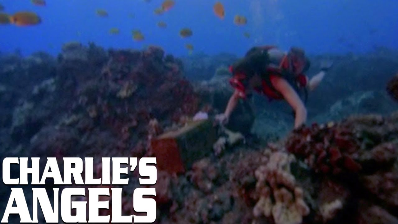Julie Goes Scuba Diving | Charlie's Angels