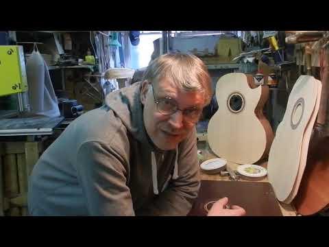 Украшение резонаторного отверстия - розетка в деке гитары