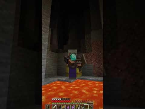 Download Minecraft, But You Get Random ITEM Every 10 Sec!