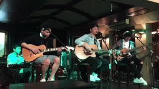 berlari tanpa kaki TheOvertunes live acoustic Pisa Cafe Menteng